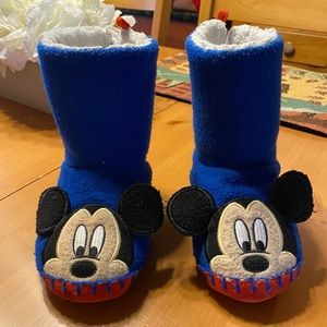 Girls or boys Mickey Mouse slippers